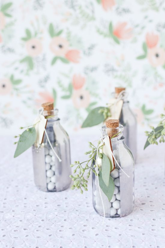 mirrored-glass-holiday-gift-diy