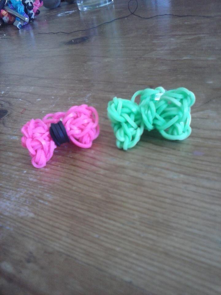 groen-zwart en groene ringen