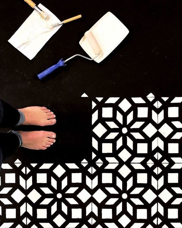 Black And White Modern Diy Stenciled Tile Floor Cement Floor Diy Design Painting Homedecor Wallar Stencils Wall Stencil Painting On Walls Floral Stencil