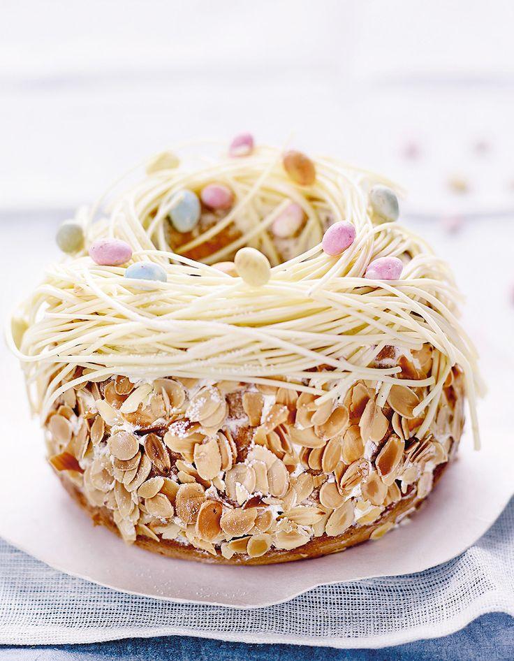 Auteur de plusieurs livres de recettes chez La Martinière, l'ancien papa gâteaux de l'hôtel Crillon est décidément bonne pâte. Christophe Felder vous a pa...