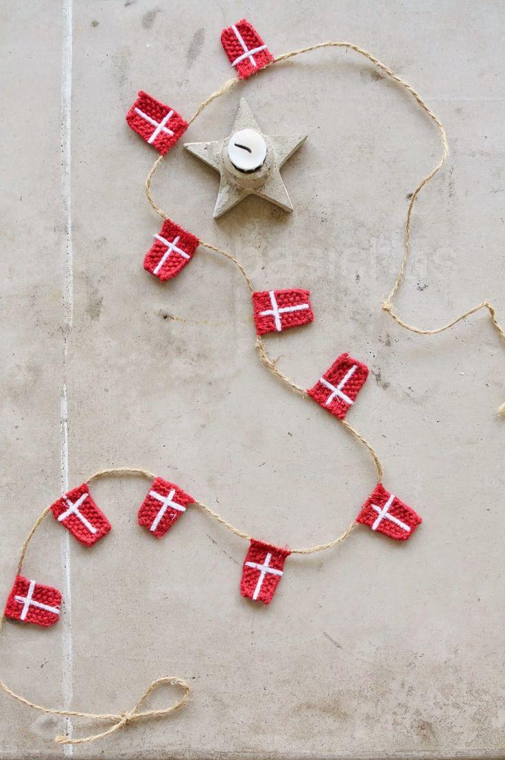 Danish knitted flags - Idea for sinterklaas   BasicHus: oktober 2014