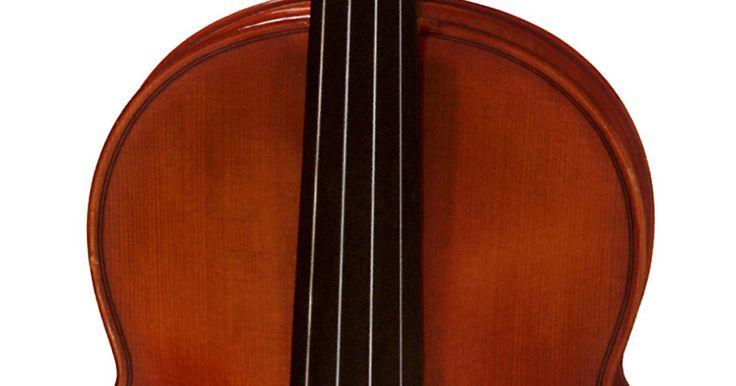 Como descobrir a data de fabricação de um violino Stradivarius . Antonio Stradivarius é um dos nomes mais importantes no mundo da música. O fabricante de violinos nascido na Itália é considerado o mais talentoso fabricante de instrumentos da história, e seus violinos são considerados o padrão a partir do qual todas as outras marcas são comparadas. Nascido em 1644, Antonio produziu 1.100 violinos durante sua ...