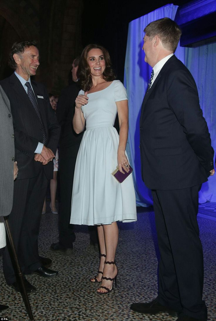 424 best Princess Kate Fashion images on Pinterest
