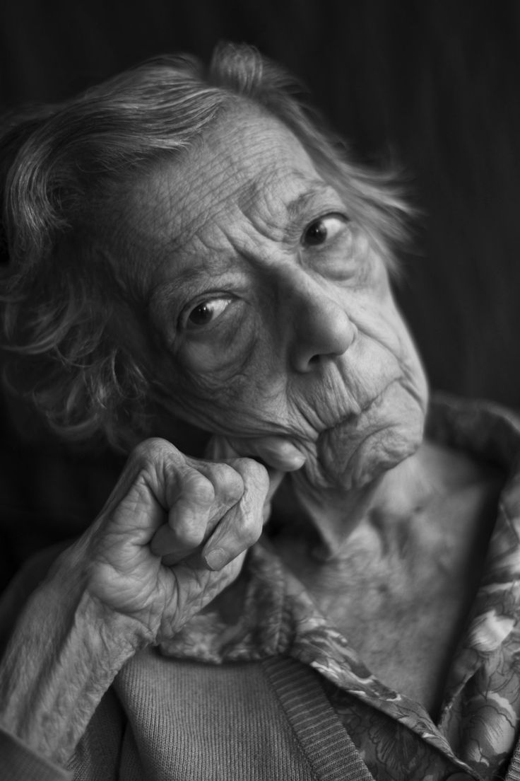 Mithoo Kanga: She is 87 years old. A Photographer Is Documenting The Stories Of Elderly Parsis Through These Stunning Portraits