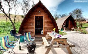 Set in the heart of a working farm among the peaceful Yorkshire Wolds near North York Moors National Park in England, these eight 'Big Chief' eco-pods have space for up to five guests in each and include good facilities.