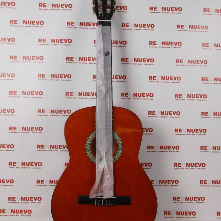 Guitarra CLIFTON en funda con afinador E270281 de segunda mano  #guitarra #clifton #segundamano