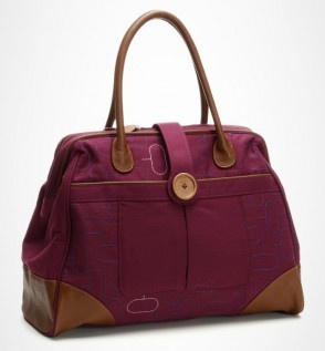 I'm willing to girl it up for this Canopy Verde eco-friendly bag.