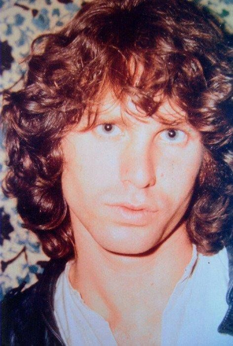 Jim Morrison.......BEAUTIFUL PICTURE OF JIM.......WE ALL MISS YOU JIM.......LOVE ALWAYS.....R.I.P.
