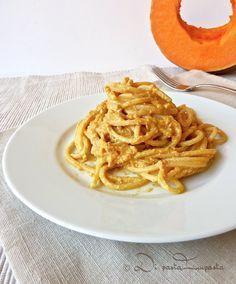 Spaghetti alla chitarra al pesto di zucca #pastalovers #vegetarian #recipe via @marechiarotweet
