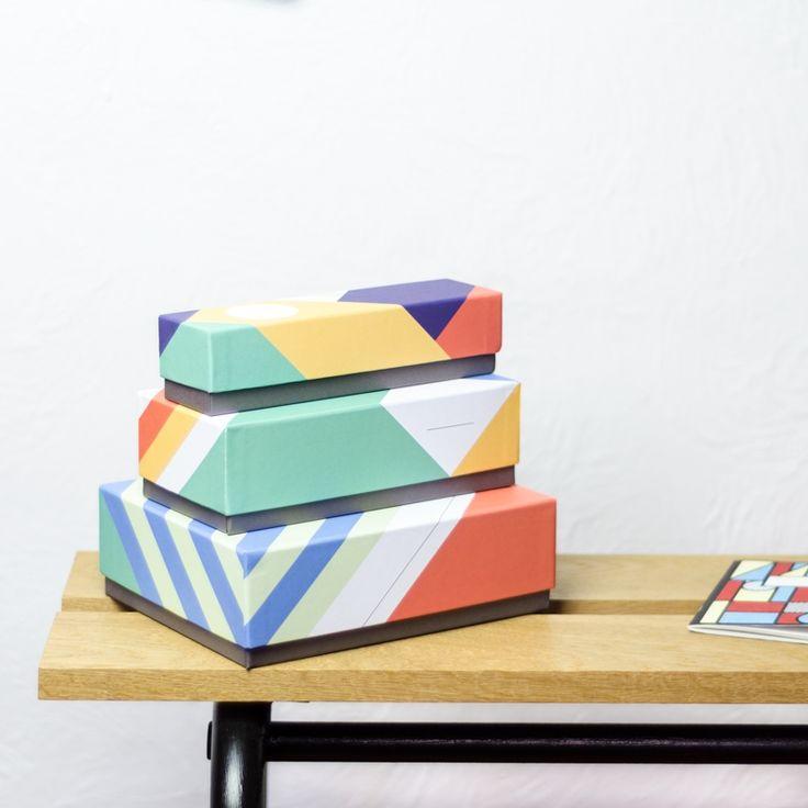 Les 25 meilleures id es concernant dessiner quelque chose for Boite de rangement papier bureau
