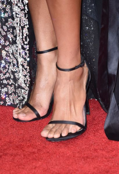 Ciara Photos Photos - Singer Ciara, shoe detail, attends The 58th GRAMMY Awards at Staples Center on February 15, 2016 in Los Angeles, California. - The 58th GRAMMY Awards - Arrivals