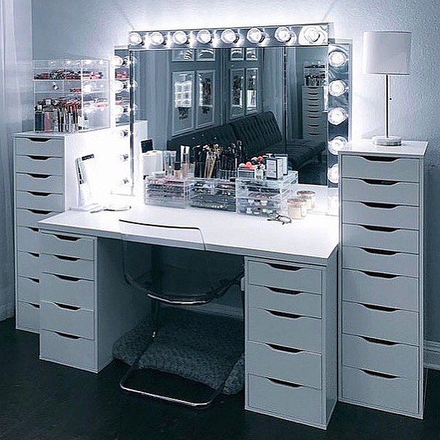 So obsessed with the double IKEA Alex 9 and Alex 5 drawer unit layout. Isn't it dreamy  Thinking it's time for alittle upgrade......  xx . Photo from Pinterest. Unsure of owner. Please tag if known ❤️