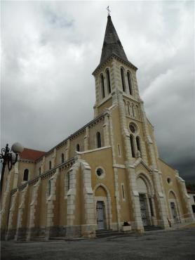 EGLISE SAINT-NICOLAS - Chantelle - Allier Hotels Restaurants