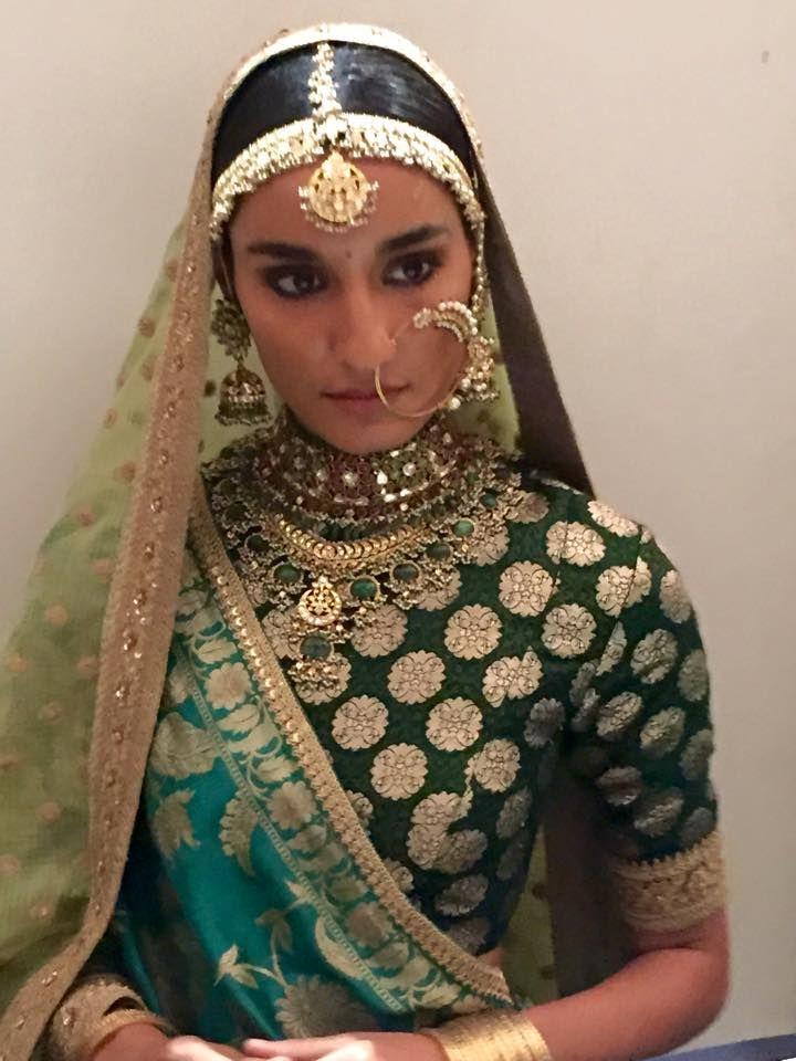 [En cours] Costume princesse mélangé steampunk/indienne 80ea88fe7b7016ad752944dd2a54af28