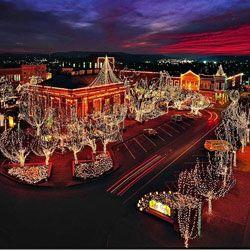 Lights of the Ozarks, on the square in Fayetteville, Arkansas. #Arkansas #Razorbacks #WPS