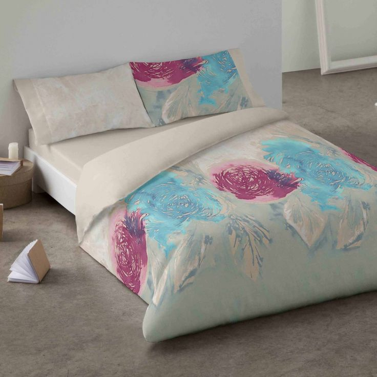 Duvet cover. Roses. Bedroom. Bed. Decor. Blue. Style.