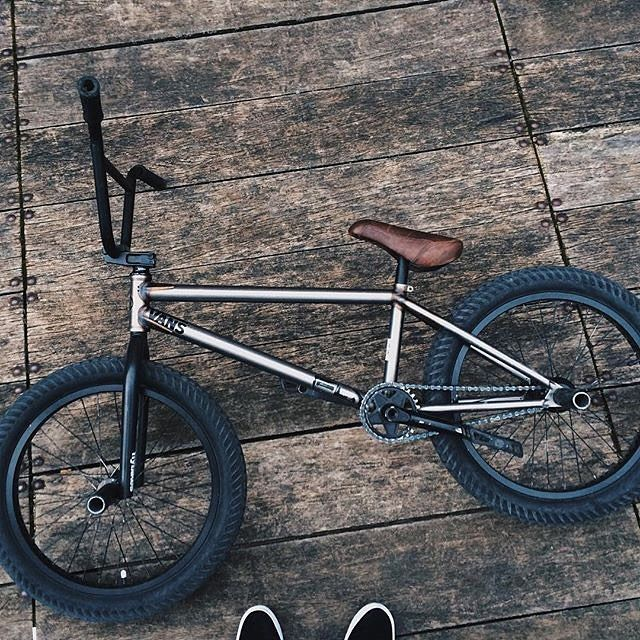 @courageadams just dialed in a new Geo setup! What do you think?  #bmx #flybikes…