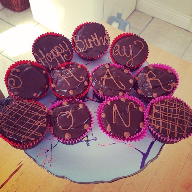 Paleo chocolate cakes