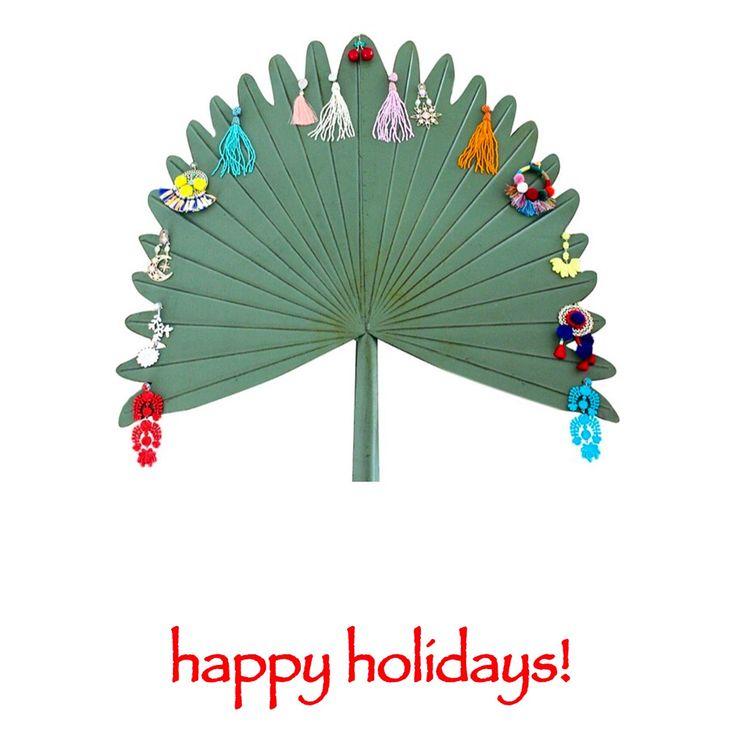 🎄 Happy Holidays 🎄 #merrychristmas #happyhanukkah #melekalikimaka #buonnatale #happyholidays #🕊 #myislandhome