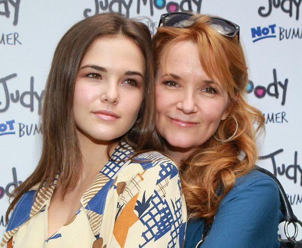 Lea Thompson and daughter Zoey Deutch.