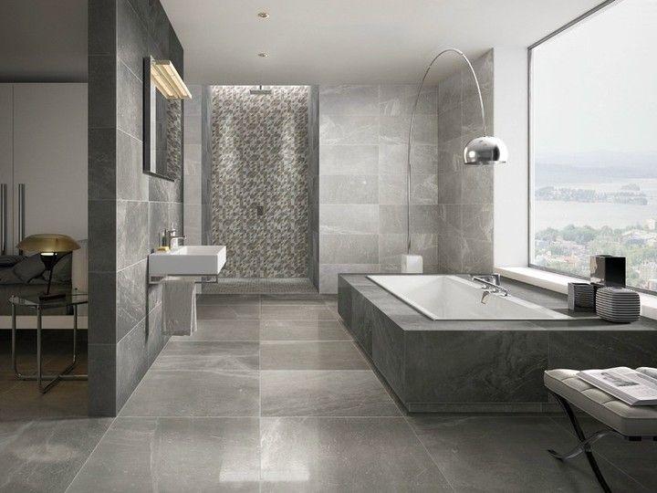 Xxl Fliesen Wirken Grosszugig Badezimmer Badewanne Baden Wellness Bad Dusche In Bathroom Design Contemporary Bathroom Designs Bathroom Design Styles