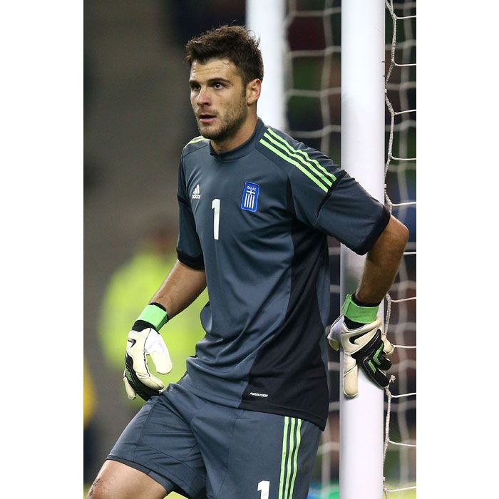 Greece Jerseys 201617 Home Soccer Shirt 5 Dellas Greek goaltender Orestis  Karnezis wears the 1 jersey for a reason He just might ... 87dc291dc