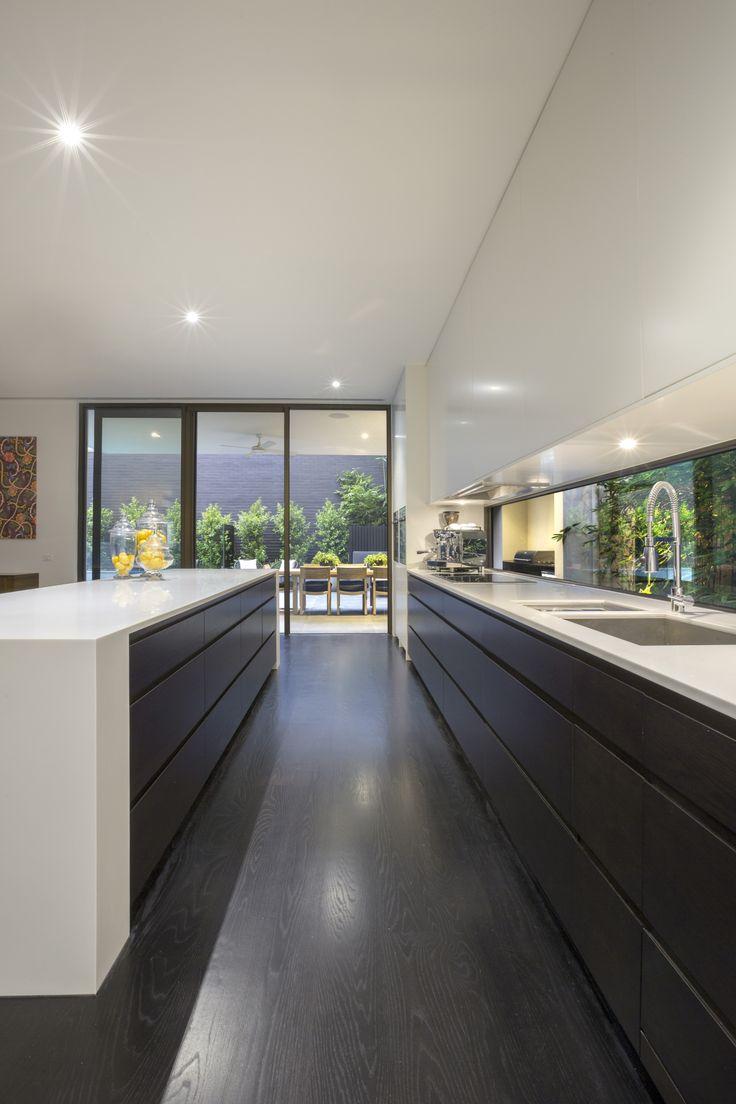 www.lubelso.com.au ph:(03) 8534 4400 #windowsplashback #kitchen #islandbench #lubelso