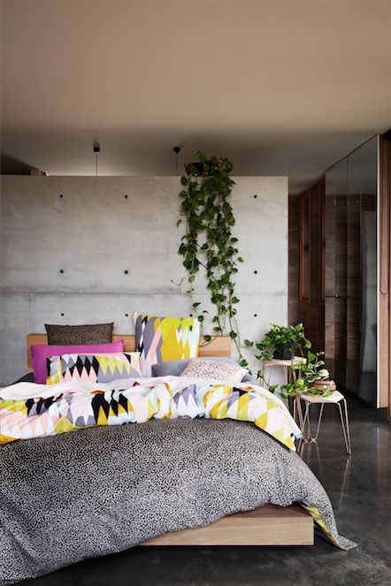 Concrete Faux wall! And, love the vines