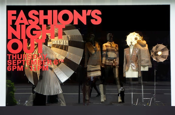 Fashion's Night Out 5th Avenue windows! #lordandtaylor