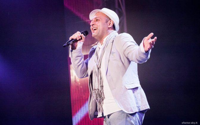 Marcello Cannavò canta Dani Hoh per la sua Daniela, ragazza conosciuta a Siracusa che vive a Londra [Video e Testo di Dani Hoh].