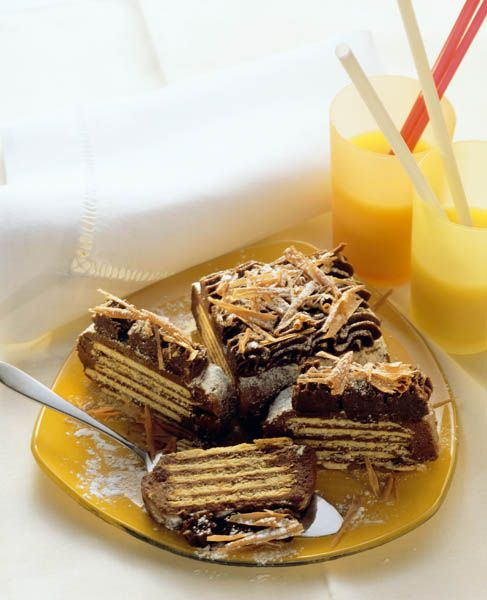 Tort de biscuiţi - Retete culinare - Romanesti si din Bucataria internationala