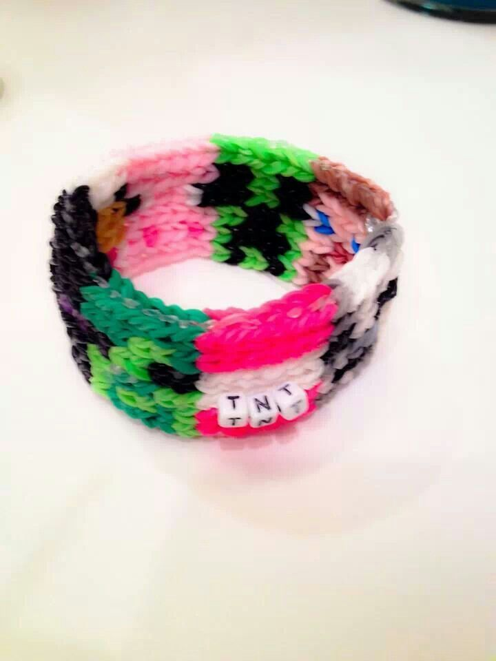 rainbow loom minecraft charms | Pinned by Christine Cuchiara