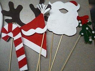 No link, but cute idea... Christmas photobooth