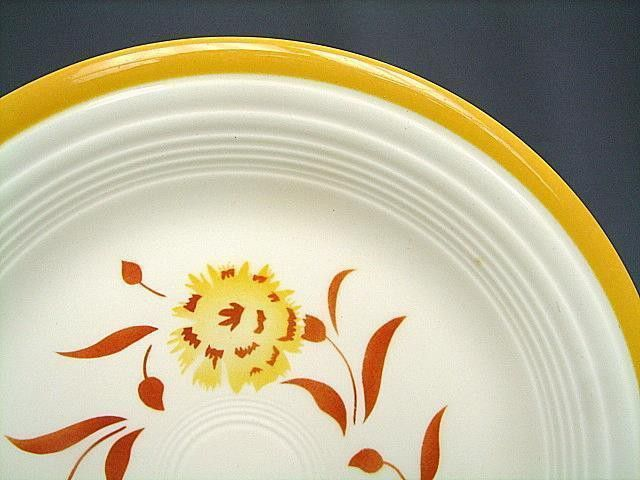 Fiesta® Casuals Yellow Carnation Dinner Plate decal. Made in the USA during the 60's by the Homer Laughlin China Company as part of the Genuine Fiesta® Casual Line | WorthPoint