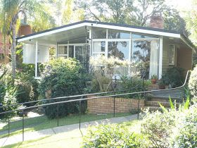 An Australian home renovation blog about fixing up an old Queenslander house in Brisbane.