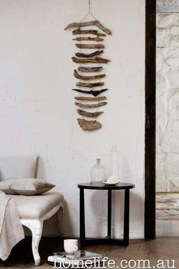 Idea for driftwood wall hanging. Browse driftwood crafts on Completely Coastal: http://www.completely-coastal.com/search/label/Driftwood%20Crafts