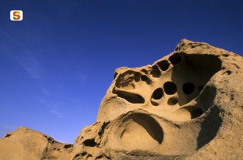 Sardegna DigitalLibrary - Immagini - Porto Ferro, formazioni rocciose