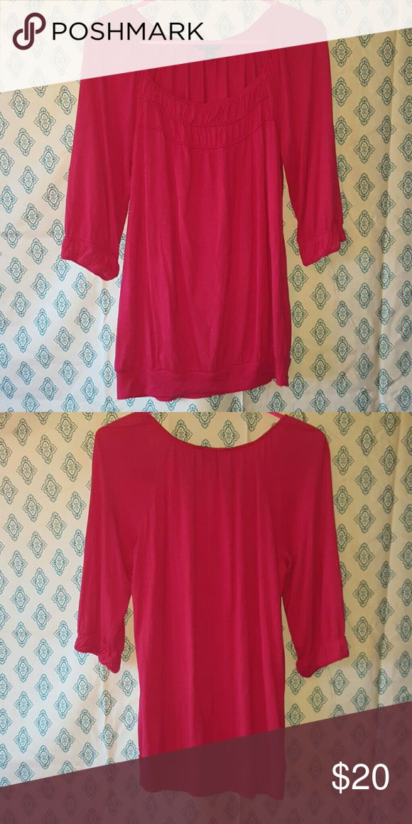 Hot pink Banana Republic tunic top Hot pink Banana Republic top NO stains no holes Perfect for leggings EUC worn once  If you have any questions or want to see additional photos don't hesitate to ask! Banana Republic Tops Tunics