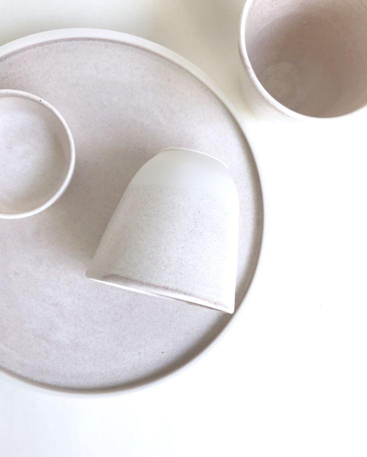 Dust rose on porcelain by spiek ceramiczny