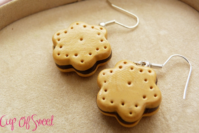 Boucle d'oreille biscuit Fimo    http://www.alittlemarket.com/boutique/cup_of_sweet-243830.html