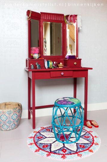 #Meisjeskamer #kleur #kaptafel   Kinderkamerstylist
