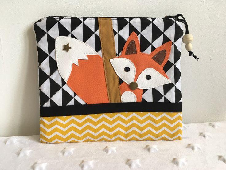 Une trousse modèle renard - coton /simili cuir - blanc/orange/noir : Ecole et loisirs par soisiccoud