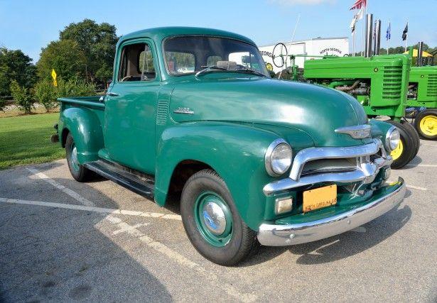 old-green-pickup-truck shark kage truck ramp