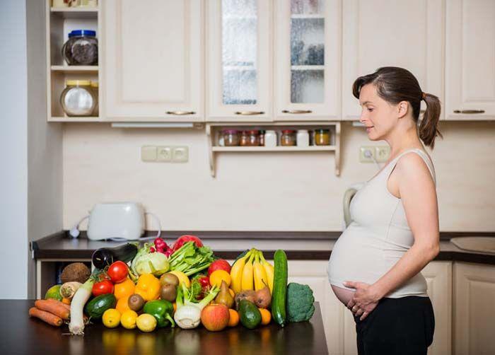 Dieta dla przyszłej mamy - jakich zasad należy przestrzegać?
