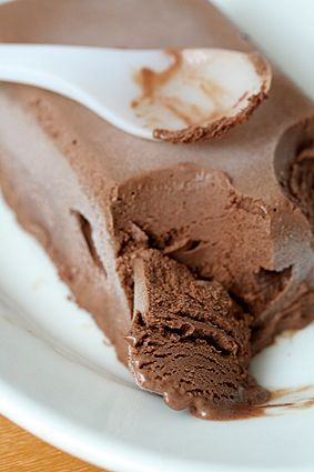 Sugar Free Chocolate Ice Cream with Agave Nectar #chocolate #icecream