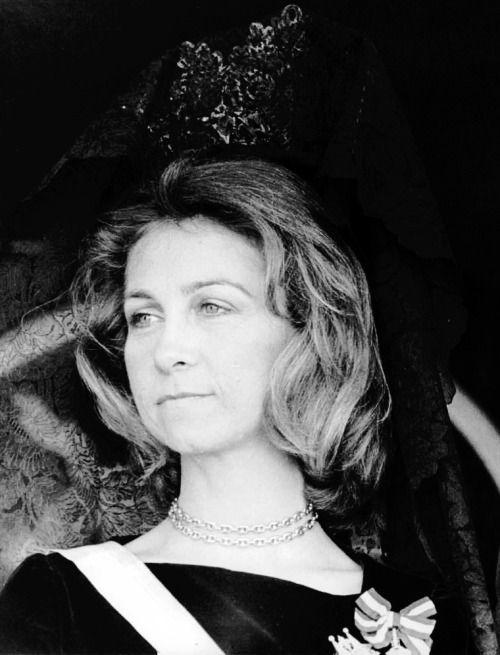 misshonoriaglossop:  Queen Sofia
