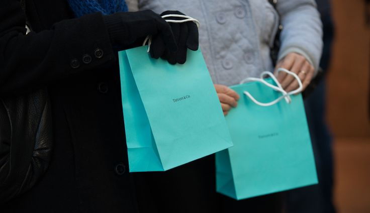 Costco now order to pay $8.25 million in punitive damages to Tiffany for selling fake engagement rings with the jeweler's name (Discussed in episode 136 of the Pop Fashion podcast)