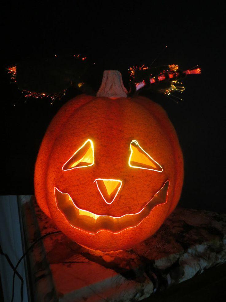 Halloween jack o lantern pumpkin with fiber optic lights for Fiber optic halloween decorations home