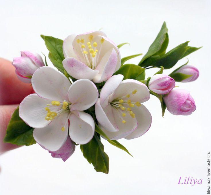 """Купить Зажимы для волос """"Яблоня, жасмин, сакура"""" - бледно-розовый, сакура, яблоневый цвет, вишня"""