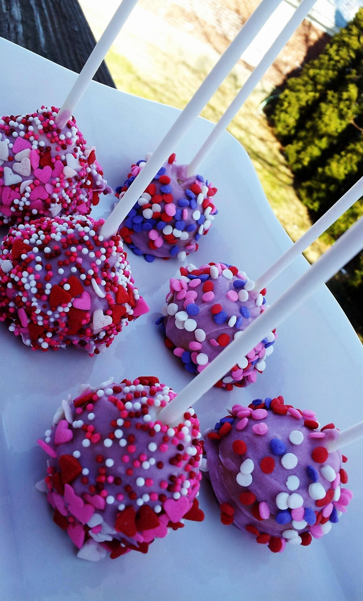 Valentine cake pops with the kids Sel and heather??:)